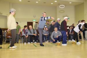 『高齢者の生活、子育てを支援02』の画像