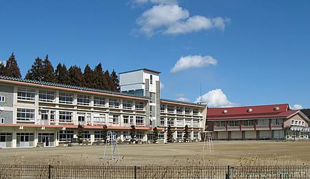 鮫川村立鮫川中学校