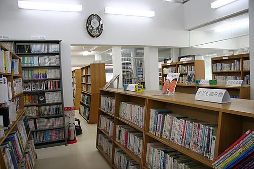 施設:鮫川村図書館